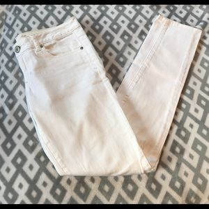 American Eagle Skinny Jeans (White) Size 4